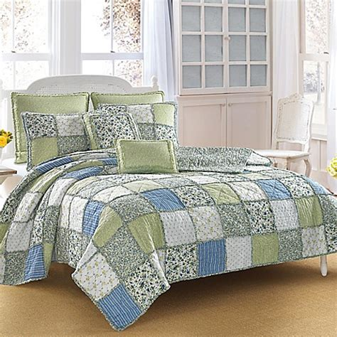 bed bath and beyond quilts bed bath and beyond bedspreads and quilts vcny holiday