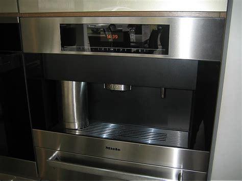 miele einbau kaffeeautomat abverkaufsger 228 t musterk 252 che miele einbau kaffeevollautomat