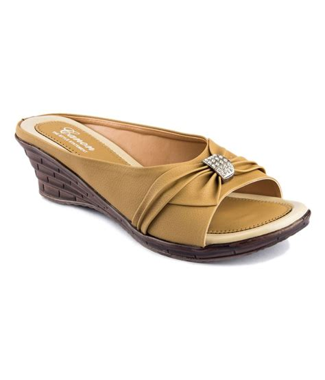 beige sandals low heel shoe beige low heel daily wear sandals for