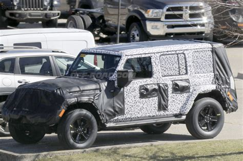 Jeep Hardtop Weight 2018 Jeep Wrangler Spotted With New Three Roof