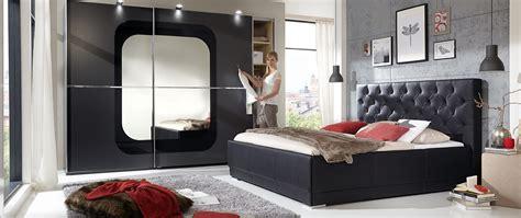 schlafzimmermöbel komplett krasse wandgestaltung