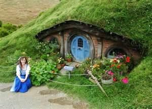 hobbit hole happy with my hobbit hole by shadowfaxcreations on deviantart