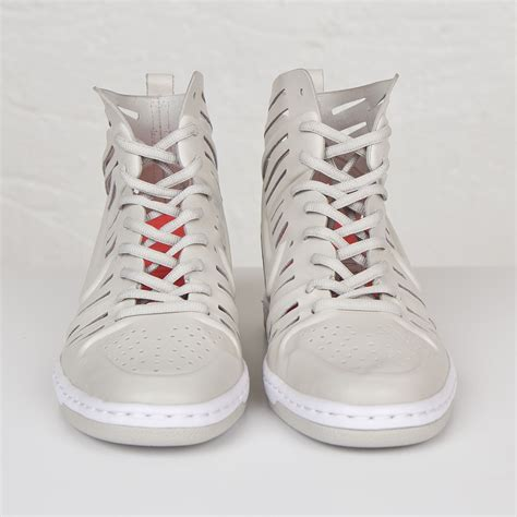 Nike Dunk Sky Hi Joli 2 0 nike w dunk sky hi 2 0 joli qs light bone light bone