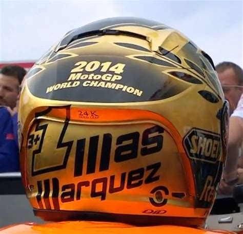 Victory Helmet Hitam by Lebih Dekat Dengan Helm Gold Marc Marquez Peysblog