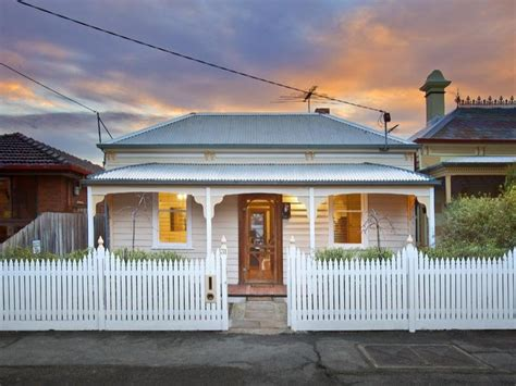 photo of a corrugated iron house exterior from real australian home house facade photo 1603029