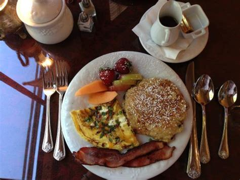 main street bed and breakfast breakfast at lang house picture of lang house on main street bed and breakfast