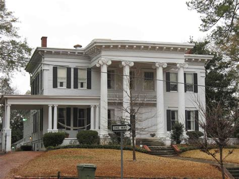 Neoclassical Home Drive Thru Portico Yes Neoclassical Home Architecture Search If I Had A