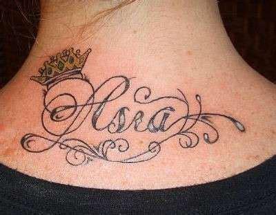 tatuaggi sul collo lettere tatuaggi nomi foto 32 41 nanopress donna