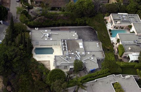 leonardo dicaprio s house leonardo dicaprio in celebrity homes zimbio
