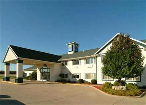 comfort inn dyersville comfort inn dyersville dyersville deals see hotel