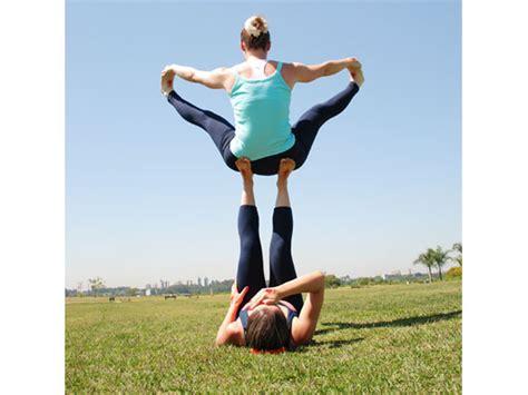imagenes de yoga animadas acro yoga j 225 ouviu falar vilamulher