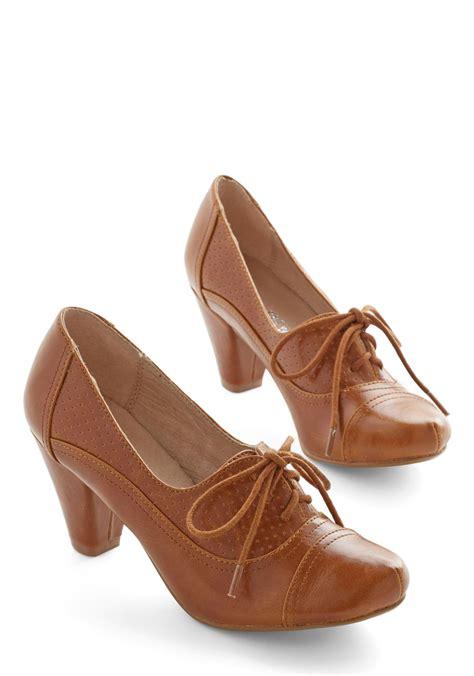 Sepatu Wedges Retro Style right here heel in brown mod retro vintage heels