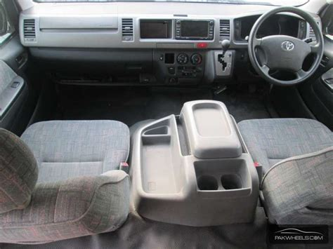 toyota hiace interior toyota hiace 2017 prices in pakistan pictures and reviews