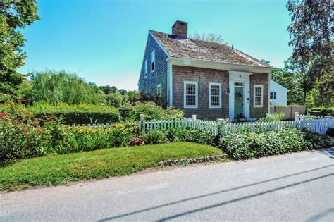 Small Historic Homes For Sale 16 Best Antique Cape Homes Images On Capes
