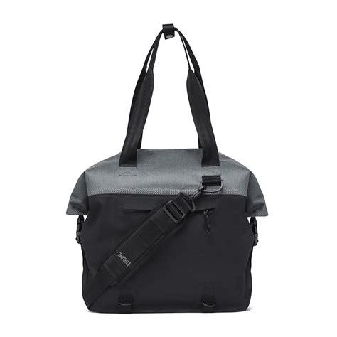votre sac bandouli 232 re chrome ex rolltop tote 40l chez cyclable