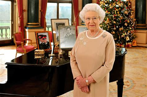 queen elizabeth song the royals christmas inside meghan markle s celebration