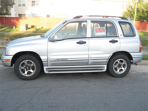 2001 chevrolet tracker pictures cargurus