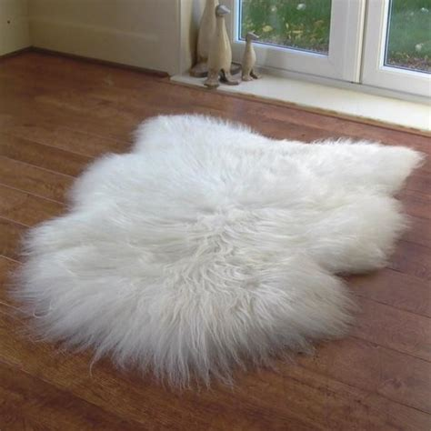 Icelandic sheepskin rug   Natural sheepskin rug