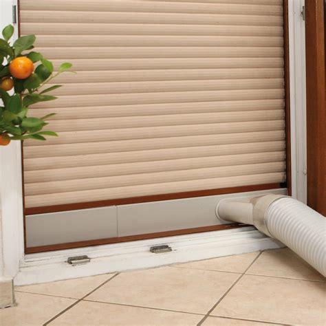 Raum Klimaanlage klimaanlage raum auf der sonnenseite jalousien unten und