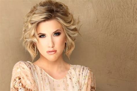 savannah chrisley bun 8 problems every girl with short hair has and how to fix