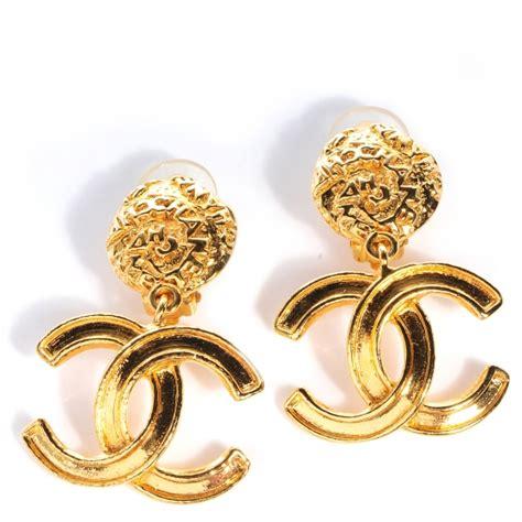 chanel vintage gold cc drop earrings 82692
