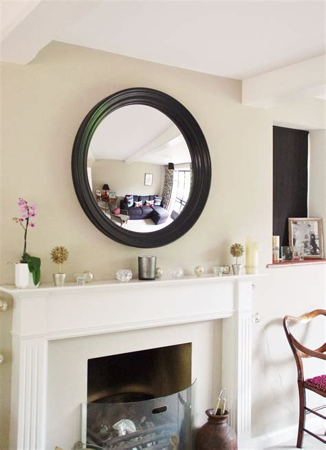 4 essential tips for hanging a mirror above a