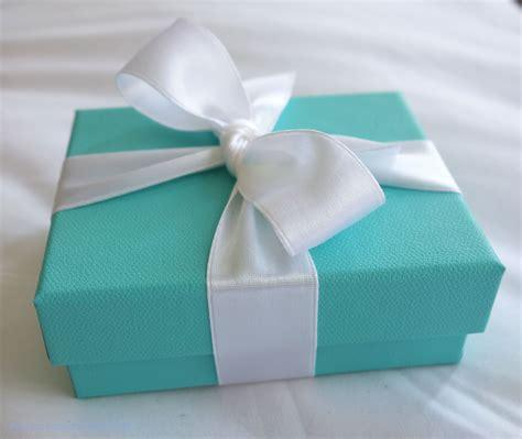 Tiffany & Co. Infinity Bracelet ? Macarons & Bubbly