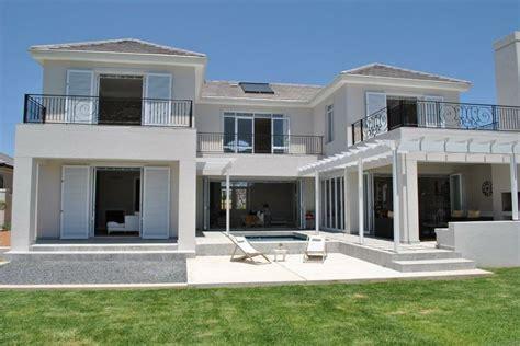 louis phillips architects val de vie estate outdoor