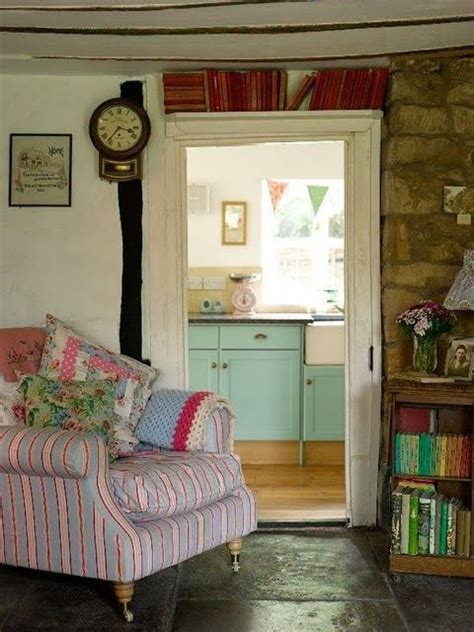 bedrooms and more cosy home granny chic more shabby chic frippery