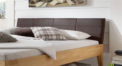 holzbett aus massiver buche in z b 160x200 cm leonardo - Holzbett Mit Gepolstertem Kopfteil