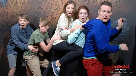 haunted house reactions 23 haunted house reactions to make you giggle