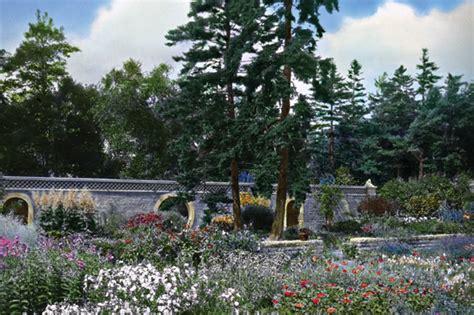 187 groundbreakers a journey through american garden and