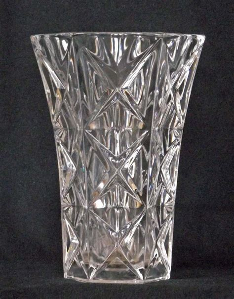 Chrystal Vase by Glen Titmus Sales Small Antiques And Collectables