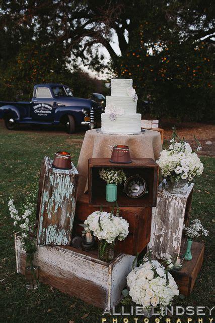 los angeles vintage mechanic wedding theme diy wedding decor www allielindsey wedding