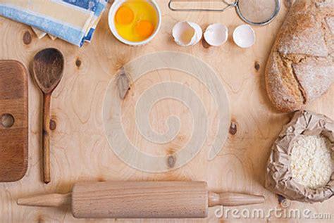 baking background  cutting board eggshell flour