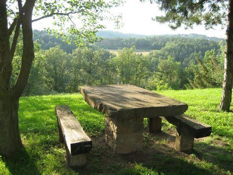 mesa piedra jardin mesa de jardin de piedra conjunto de mesa y barbacoa de