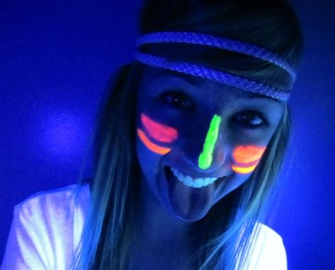 simple glow in the dark face paint ? Paint