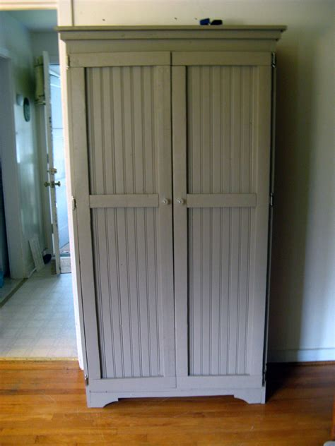 Beadboard Pantry by White Beadboard Cabinet Diy Projects