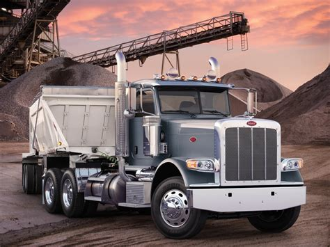 semi truck configurator the peterbilt model 388 is available in a day cab
