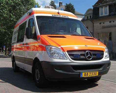 Lu Mobil Ambulance v 233 hicules samu et smur r 233 anim 233 page 460 auto titre