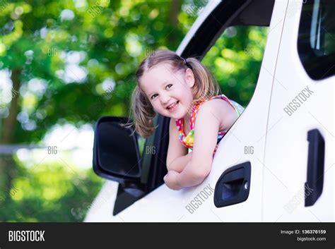 Meme Girl Car Seat - little girl meme car seat www imgkid com the image kid