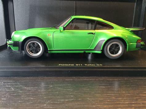 porsche 911 viper green autoart scale 1 18 porsche 911 turbo 3 0 viper green