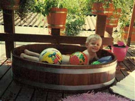 Bottich Badewanne by Regentonnen Badebottiche Mit Holzofen Gartenteiche