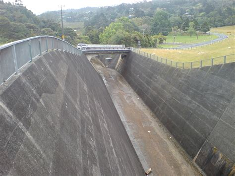 spillway wikipedia file lower nihotupu dam spillway ii jpg wikimedia commons