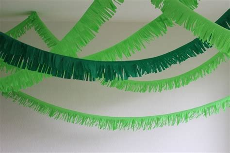 How To Make Crepe Paper Garland - 37 diy paper garland ideas guide patterns