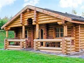 cedar log cabin brynallt country park frankton