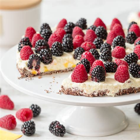 kuchen mit waldfrüchten schneller kuchen mit mango creme ohne backen