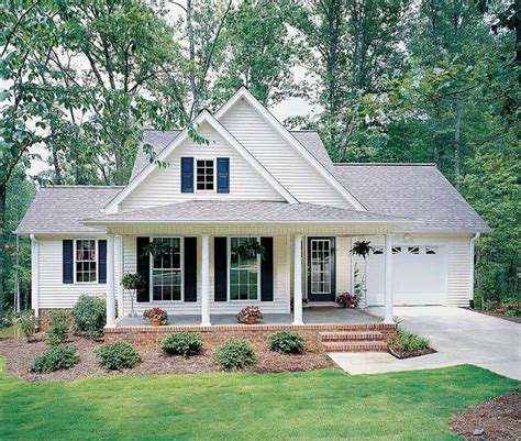 Small Country Homes by 25 Best Ideas About Small Farmhouse Plans On Pinterest