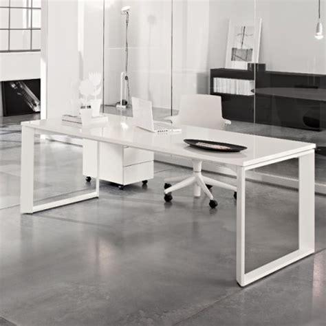 scrivania twist 001 bianca duzzle scrivania bianco lucido con cassettiera linekit