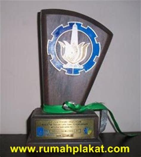 Plakat Kayu Surabaya by Plakat Kayu Rumah Plakat Plakat Vandel Trophy Medali Piala